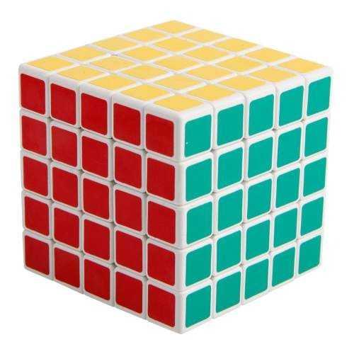 ShengShou 5x5x5 whitejest kostką nie większą niż tradycyjne kostki 3x3x3 i jednocześnie mniejszą niż postki innych firm o tej ilości elementów. Wiele osób uważa właśnie tę kostkę za najlepszą kostkę 5x5x5!
