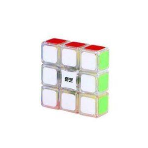 Oryginalna kostka QiYi Floppy 1x3x3 Transparent odQiYi o układzie1x3x3 to trafny wybór. Polecana przez wielu kostka QiYi Floppy 1x3x3 Transparent to super model zarówno do nauki układania jak i do prób czasowych i bicia rekordów. Wymiary60x60x20 mm oraz waga gwarantują dobrą zabawę.QiYi zadbał o wygodę optymalizując wagę i rozmiary kostki i stosując przy jej wykonaniu wysokiej jakości tworzywo. Bezpieczeństwo kostki potwierdza certyfikat CE. W zestawie znajdziemy: oryginalną kostkę